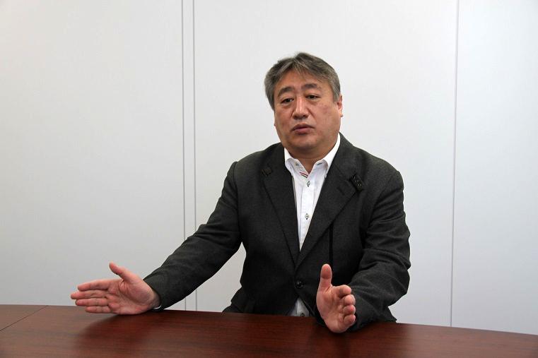 楽団長 望月正樹     (C)H.isojima