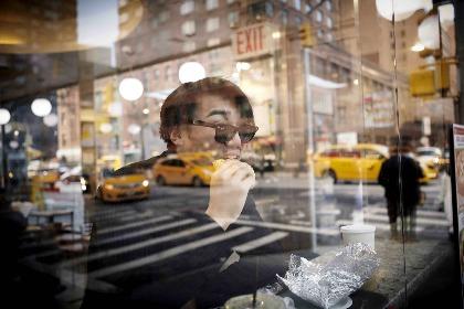 山口公一写真展『NYの足跡 Shohei』が開催中 若手俳優・章平を冬のニューヨークで撮影