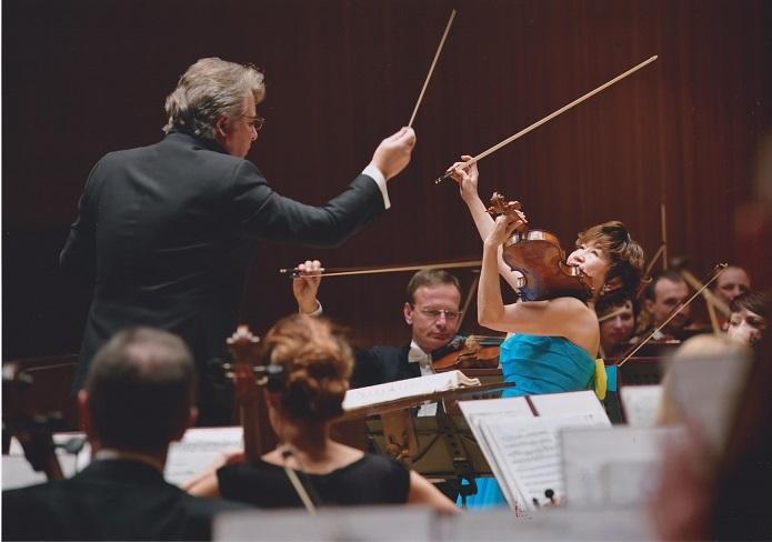 キエフ国立フィルハーモニー交響楽団とチャイコフスキーの協奏曲を共演! (C)Nobuo MIKAWA
