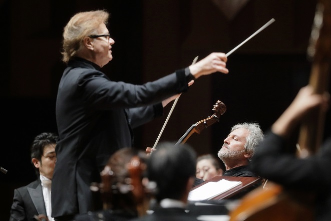 緩急自在のデュメイの指揮に、オーケストラは凄まじい集中力で応える。 (C)S.Yamamoto
