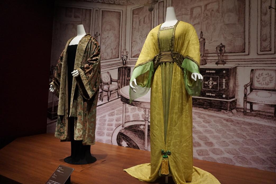 (右手前)ポール・ポワレ《イブニング・ドレス》 1913年 島根県立石見美術館所蔵