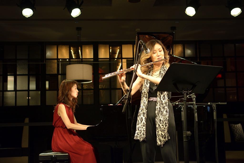 藤井裕子(ピアノ)、藤井香織(フルート)