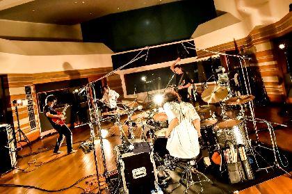 THE BACK HORNが8ヶ月ぶりライブで画面越しにパフォーマンスを叩き込む 初の無観客配信で第二弾&恒例イベント開催発表も