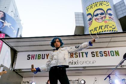 女王蜂、SHIBUYA109前の路上特設ステージでフリーライブ