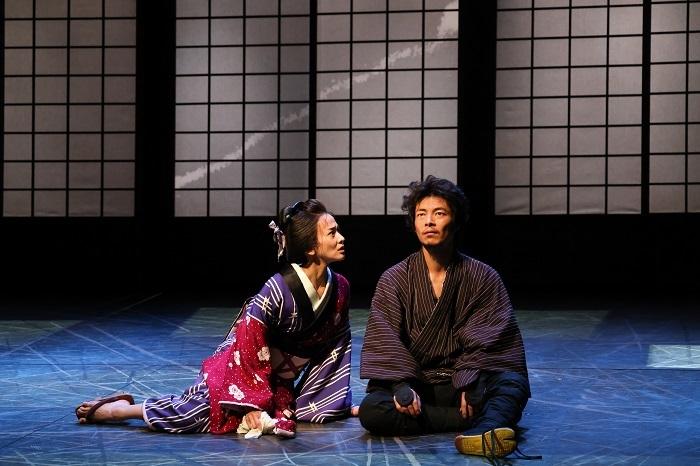 (右から)伊達 暁、陽月 華  撮影:宮川舞子