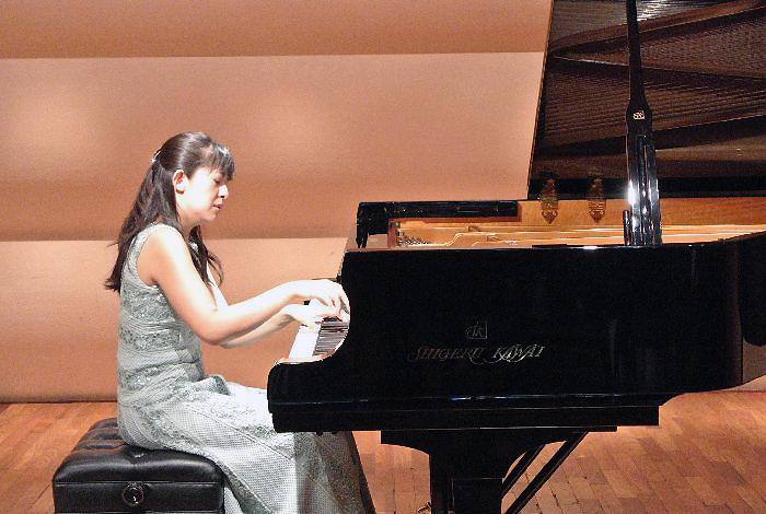 ショパンとスクリャービンを演奏した矢島愛子(31日のイブニングコンサート)