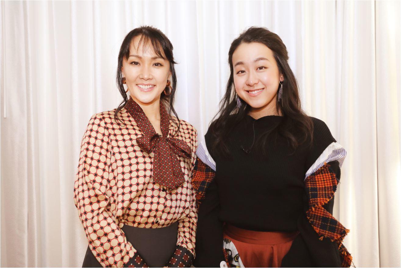 日本公演でクリスティーヌ役を務める濱田めぐみ(左)と浅田真央