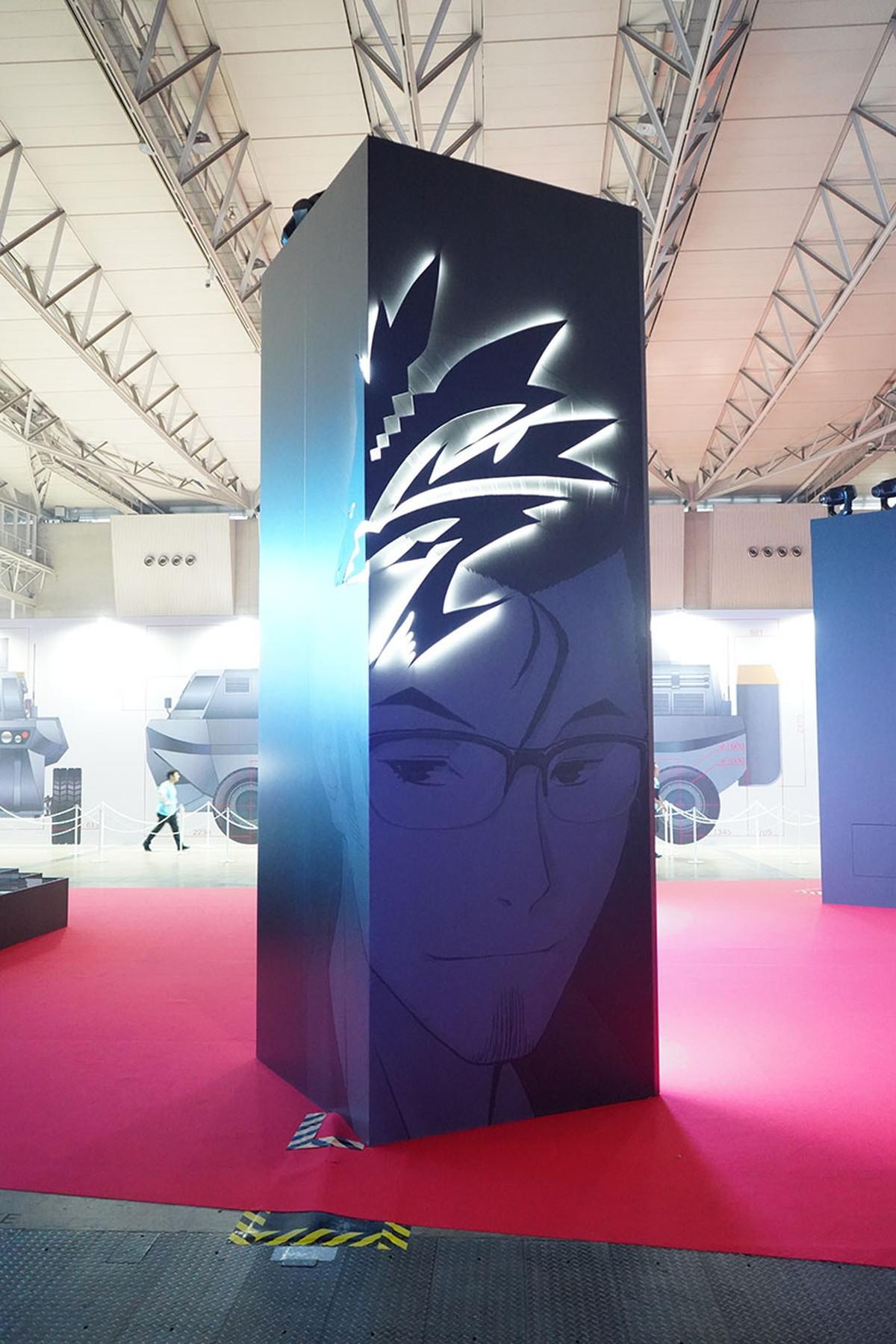 スクリーン背後は7人のスクリプターと令呪 撮影:斉藤直樹