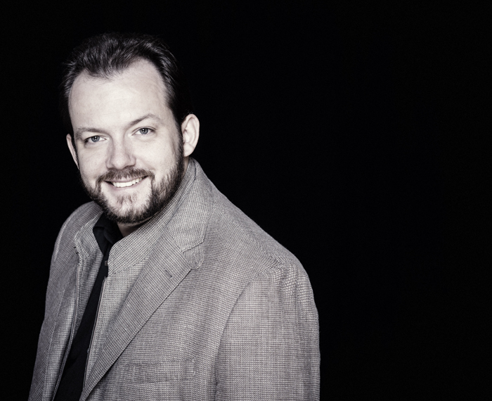 Andris Nelsons (Photo by Marco Borggreve)