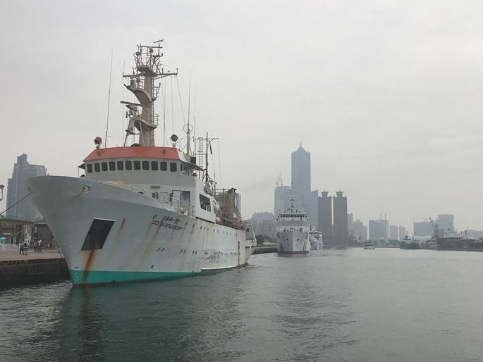 高雄港。この周辺は「アート特区」として、倉庫をリノベーションしたギャラリーやミニシアターなどが連なっている。