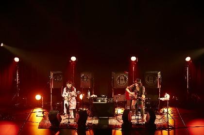 """LOVE PSYCHEDELICO 初のアコースティックツアー初日、""""Premium""""という言葉が相応しい至福の2時間"""
