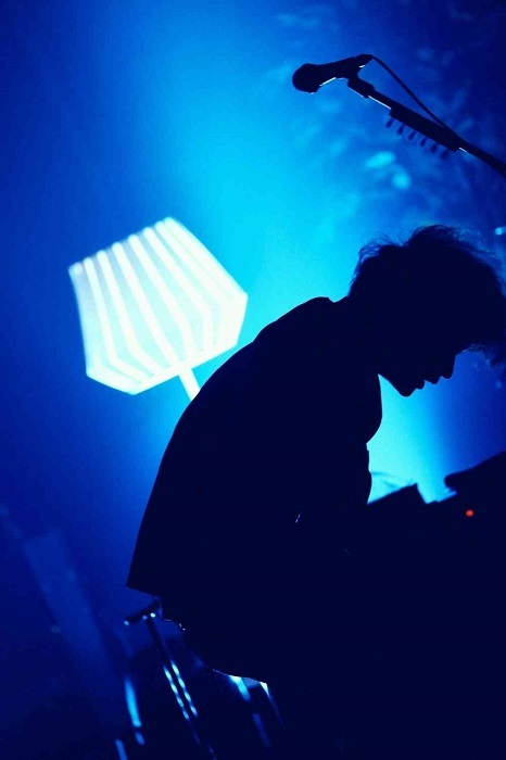 『sumika Online Live -ATTiC ROOM PARTY 2021-』より (C)後藤壮太郎