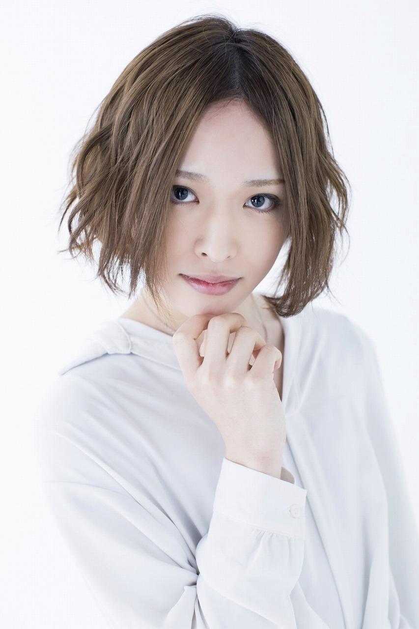 泉キャロン役:星元裕月 (C)2019 鈴川鉄久/ICHI/チャージマン研!CLIE