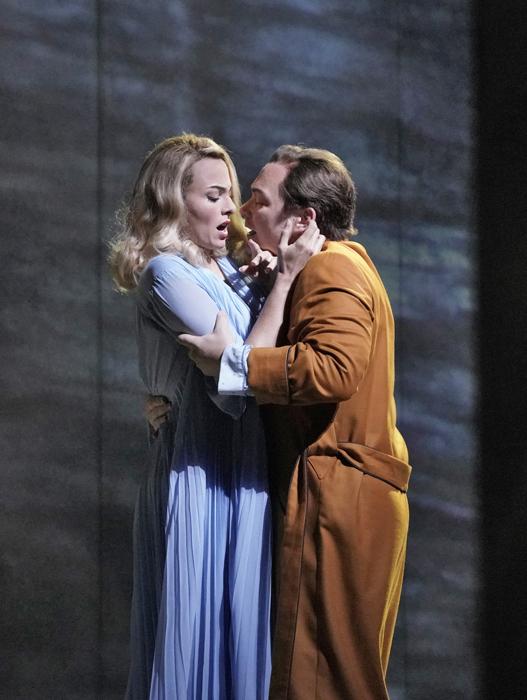 《マーニー》 MET初演 (c)Ken Howard/Metropolitan Opera
