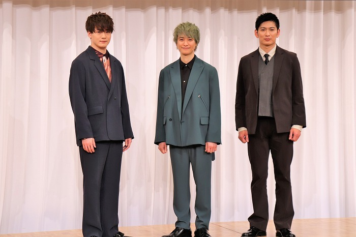 (左から)冨岡健翔、戸塚祥太、松田悟志
