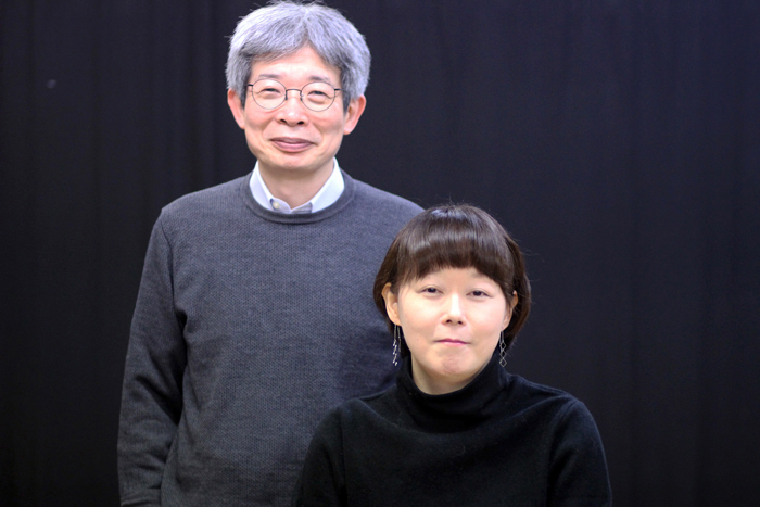 高山さなえ(右)と平田オリザ