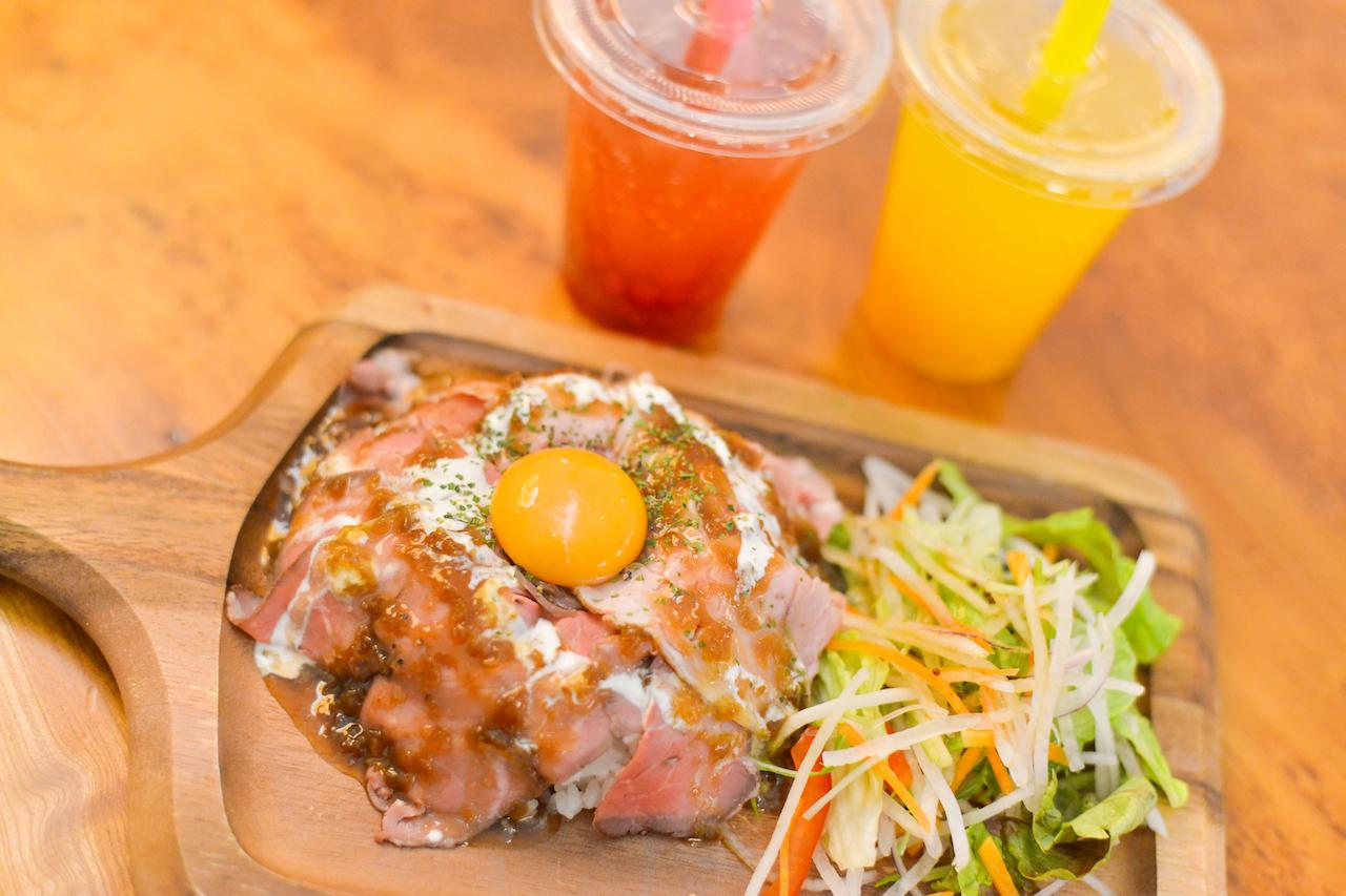 「サヌキロック肉丼」「サヌキロックタピオカ」