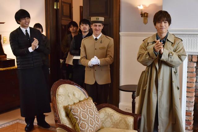 日本テレビ系「崖っぷちホテル!」メイキング写真。(c)NTV