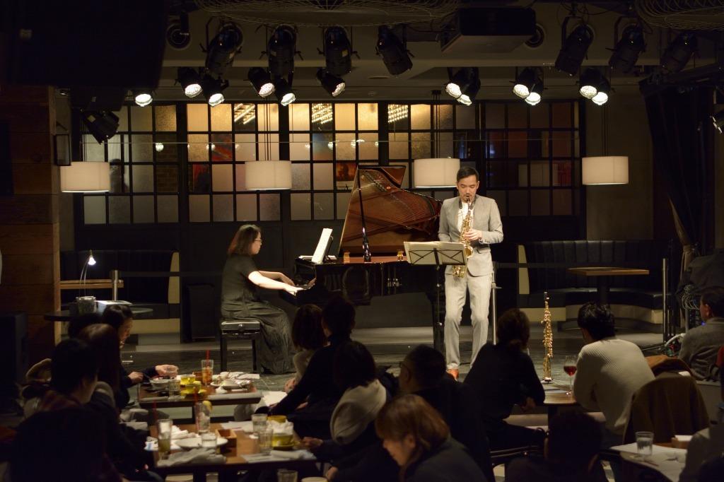 大石将紀(サクソフォン)、原田恭子(ピアノ)