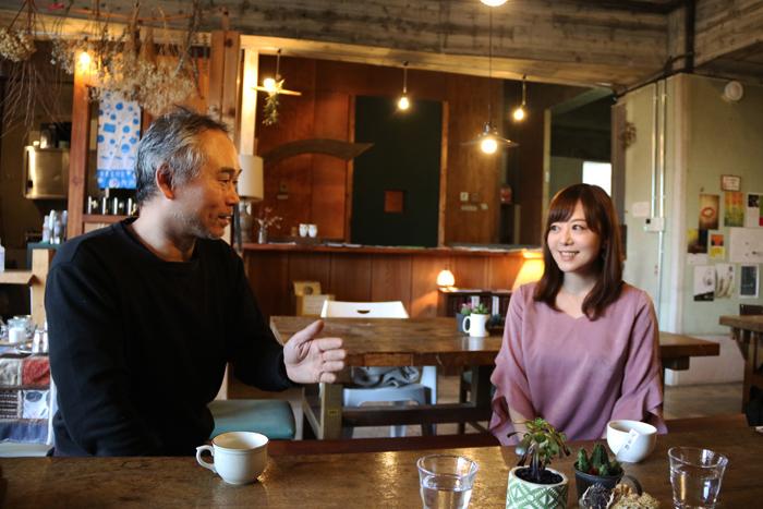 BUoY Café にて、Dr.エクアドル、岸本佳子