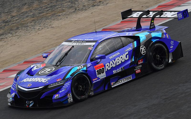 GT500では好調維持のLEXUS勢に対する、ホンダのNSX-GT。「TEAM KUNIMATSU」は総合2位につけている