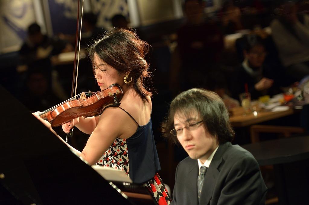 滝千春(ヴァイオリン)、沼沢淑音(ピアノ)