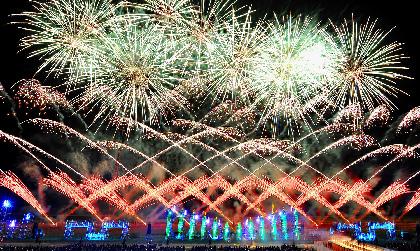 北海道・十勝の広大な夜空に最先端のデジタル花火が打ち上がるエンターテインメントショー『勝毎花火』とは