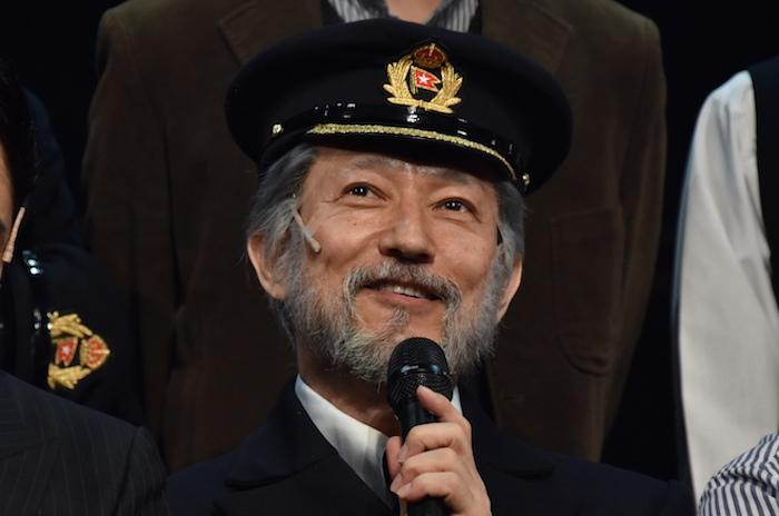 スミス船長役の鈴木壮麻