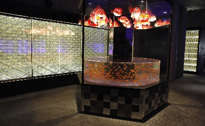 すみだ水族館で『金魚♡(LOVE)展』  金魚絵師・深堀隆介監修の『金魚美抄 展』とコラボレーション