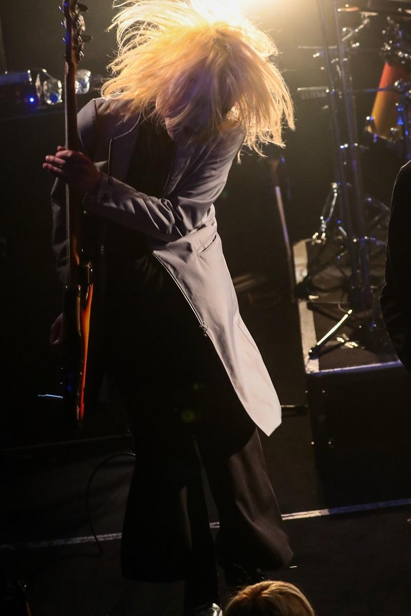 Eins:Vier 撮影=柴田 恵理