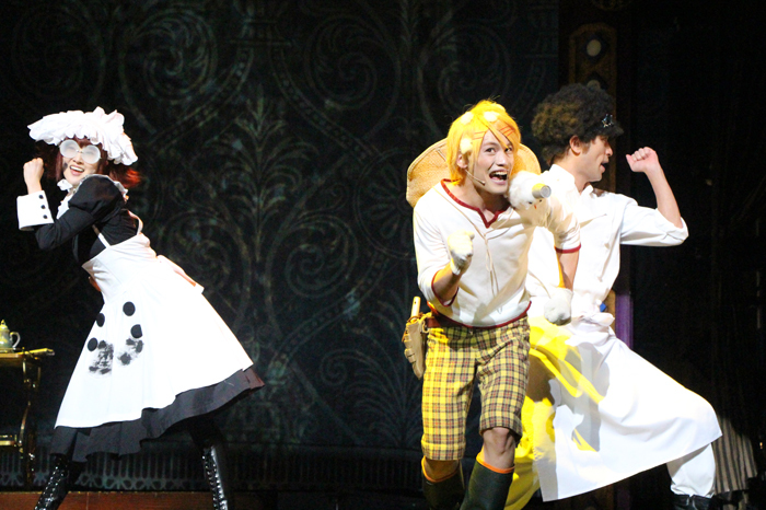 (左から)メイリン役の坂田しおり、フィニアン役の河原田巧也、バルドロイ役の鷲尾昇