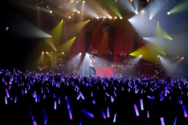 「鈴村健一 Live Tour 2017『NAKED MAN』」最終公演の様子。(撮影:草刈雅之)