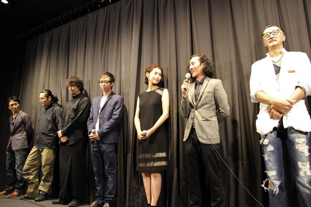 左から、下村勇二監督、TAK∴(坂口拓)、斎藤工、いしだ壱成、長谷部瞳、望月オーソン、大塚明夫
