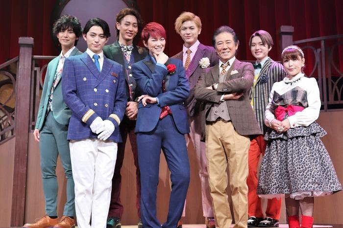 (前列左から) 佐奈 宏紀、七海 ひろき、西岡 德馬、新田 恵海(後列左から)正木 郁、近藤 頌利、遊馬 晃祐、三原 大樹