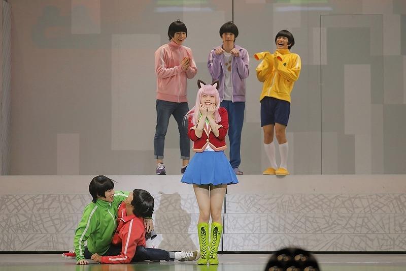 舞台『おそ松さん on STAGE ~SIX MEN'S SHOW TIME 3~』 (C)赤塚不二夫/「おそ松さん」on STAGE製作委員会2019