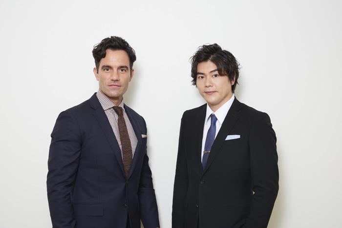 左から ラミン・カリムルー、佐藤隆紀(LE VELVETS)