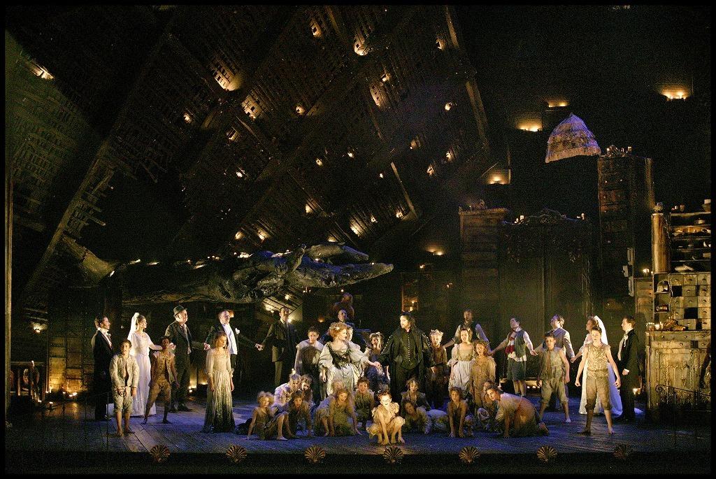 オペラ『夏の夜の夢』 マクヴィカー演出「夏の夜の夢」モネ劇場公演より