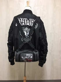 VAMPS、特別Goods付き限定盤のオリジナル・2wayバッグとMA-1の写真が公開に