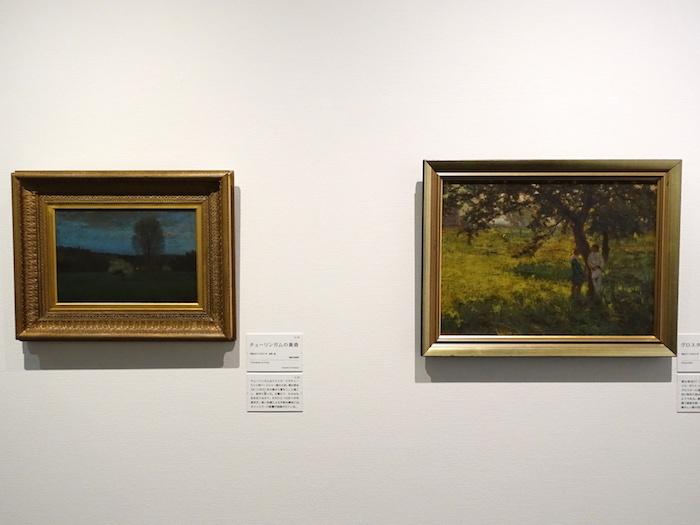 左から《チューリンガムの黄昏》明治38年 福岡市美術館、《グロスター》明治37年 個人蔵