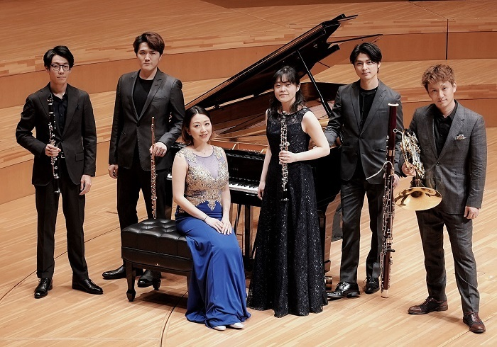 The Six Sence/写真左より=西川智也、 上野星矢、 岡田 奏、 金子亜未、 長 哲也、 濱地 宗