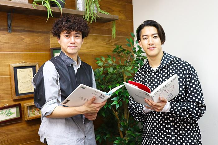 (左から)藤田俊太郎、尾上右近