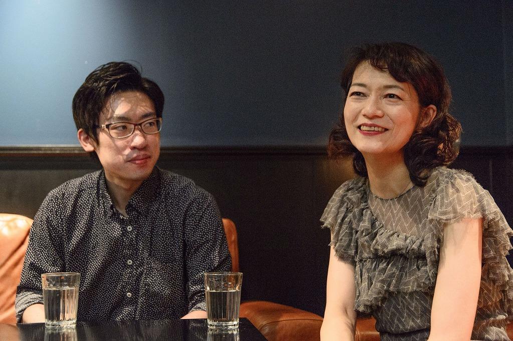 インタビューの様子 撮影=岡崎雄昌