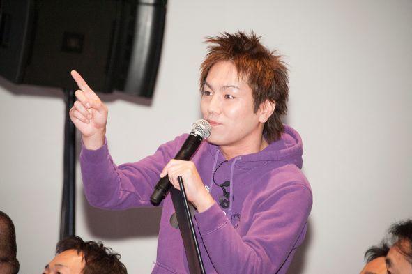 お笑いタレントの狩野英孝さんも出席