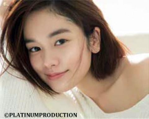 1日(土)にはモデル・女優として活躍中の筧美和子がファーストピッチセレモニーに登場