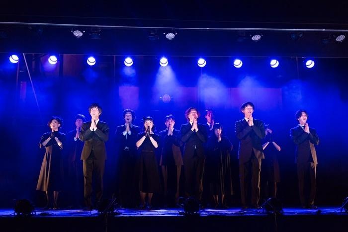 柿喰う客『御披楽喜(おひらき)』は、現在東京の[本多劇場]で上演中(~9/23)。 [撮影]igaki photo studio