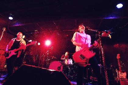 MO'SOME TONEBENDER、約6年ぶりのオリジナル・メンバー3人だけでのライブは「偏屈で片寄った」初期楽曲オンリー