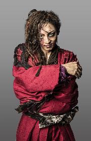 高橋一生、今までのイメージを壊す!? 舞台扮装ビジュアルが解禁 『天保十二年のシェイクスピア』