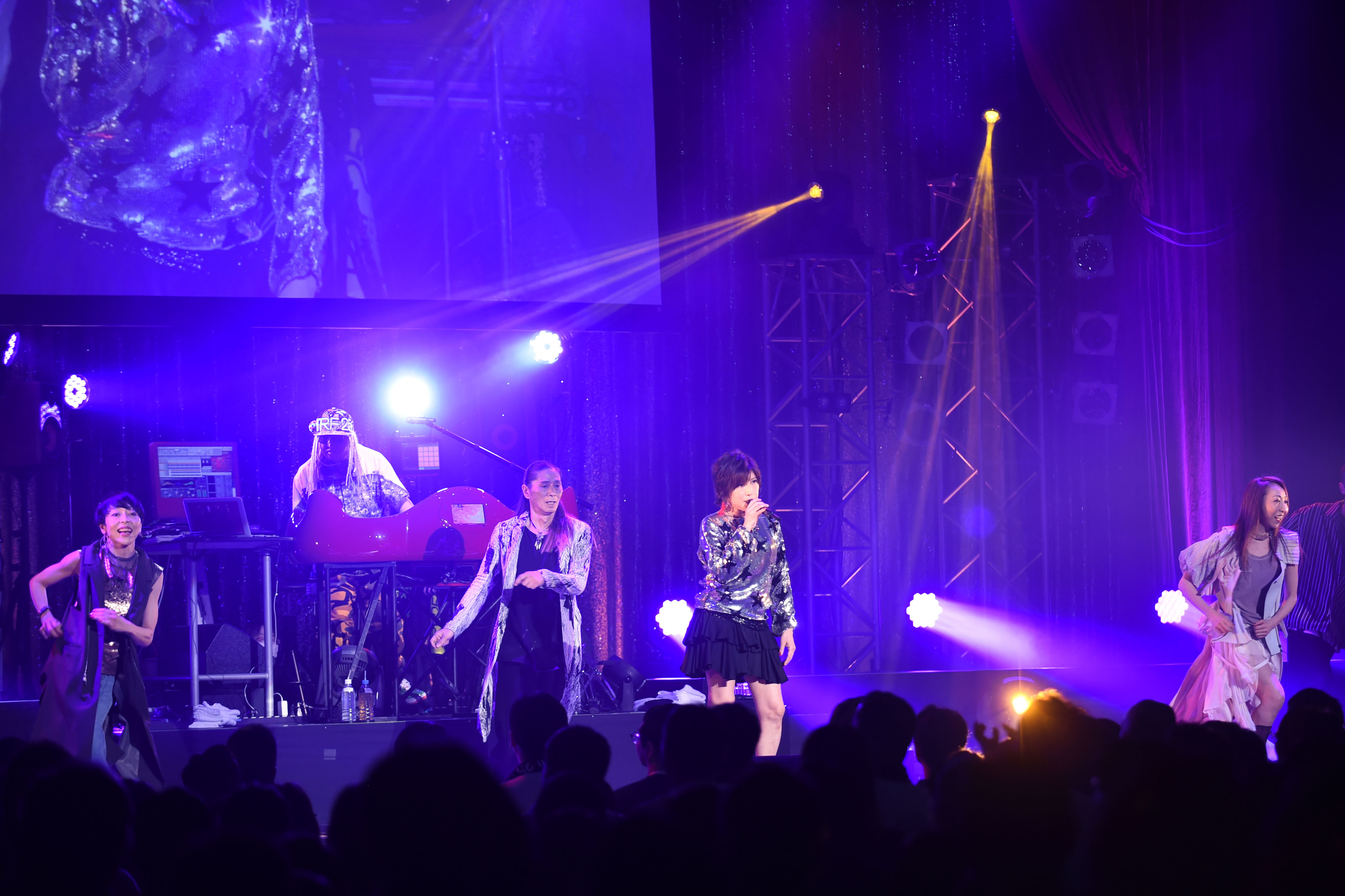 TRF 25th Anniversary『THANXX!!! 25 Best Hits Live & Party』