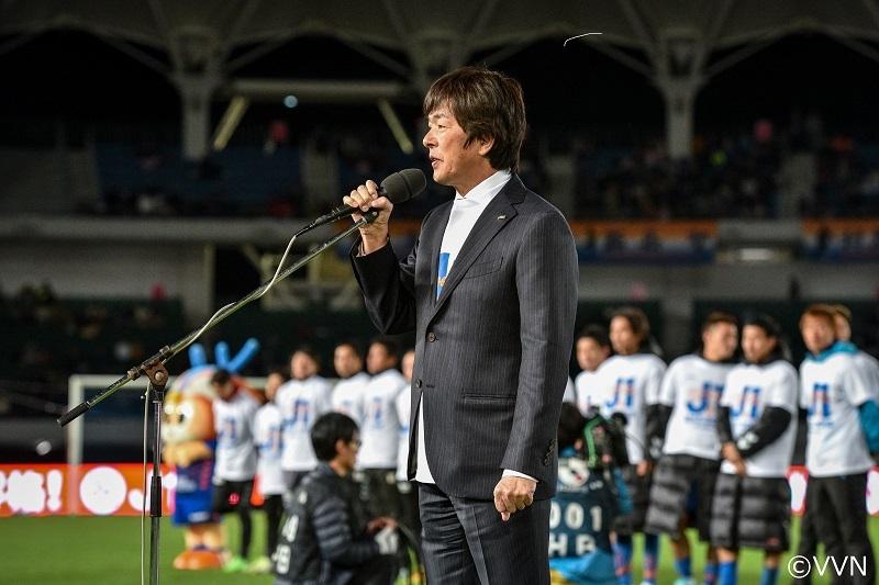 ジャパネットたかたの創業者・髙田明氏と「V・ファーレンロードを歩こう」というイベントも行われる (c)VVN