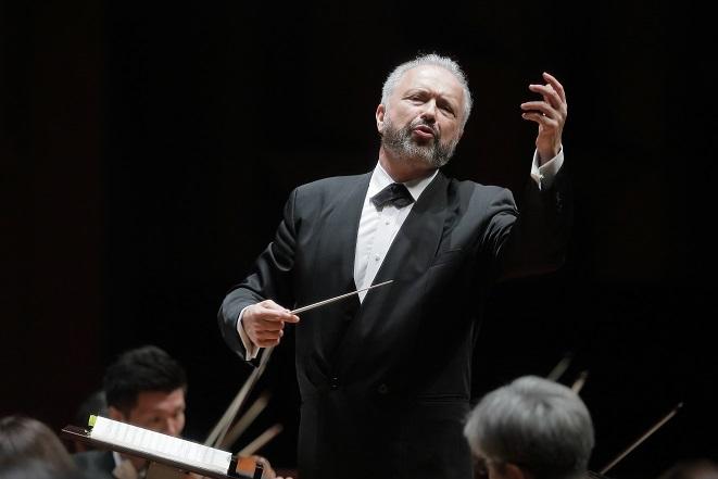 マエストロ・シトコヴェツキーは自在にオーケストラをコントロール。 (C)s.yamamoto